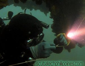 wreck diving tips for penetration