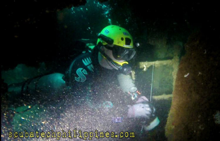 wreck penetration technical diving training